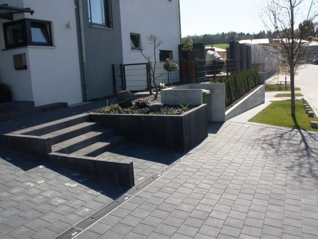 Hauseingang mit Treppe bei Landshut